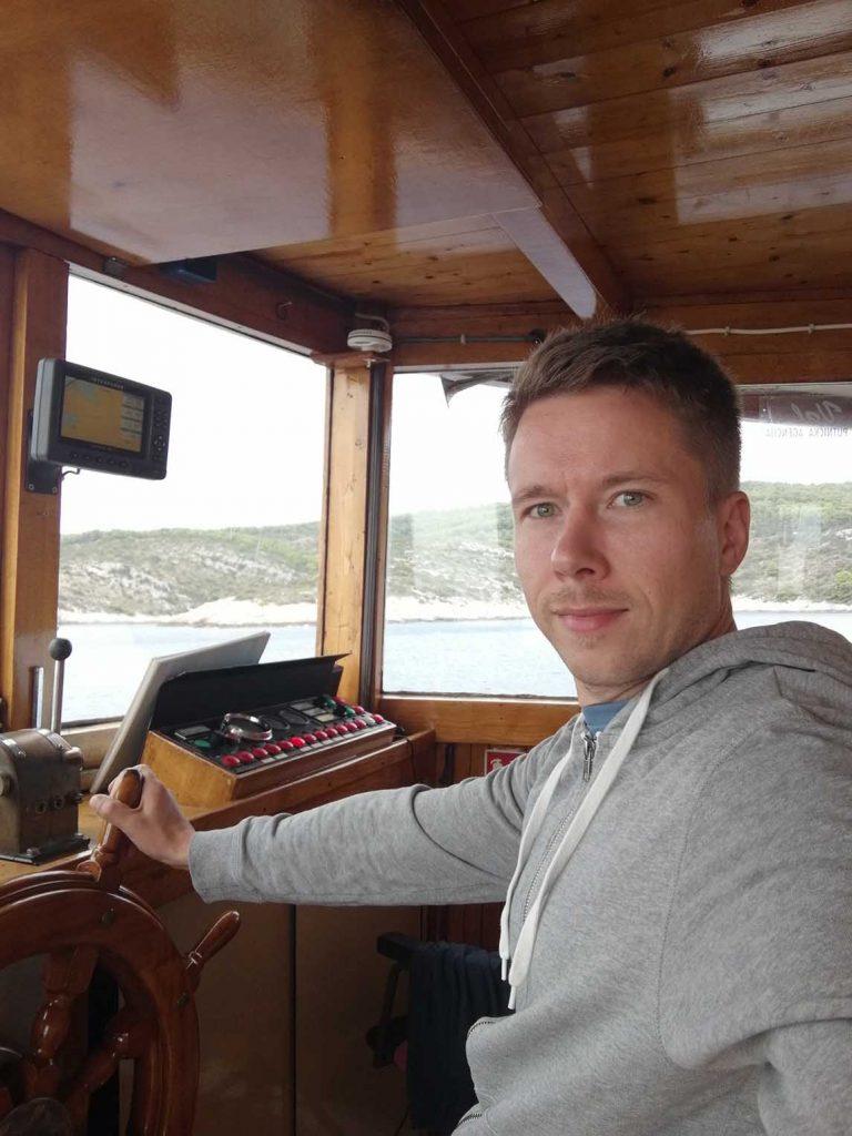 Catamaran at mediterranean - Katamaraani välimerellä