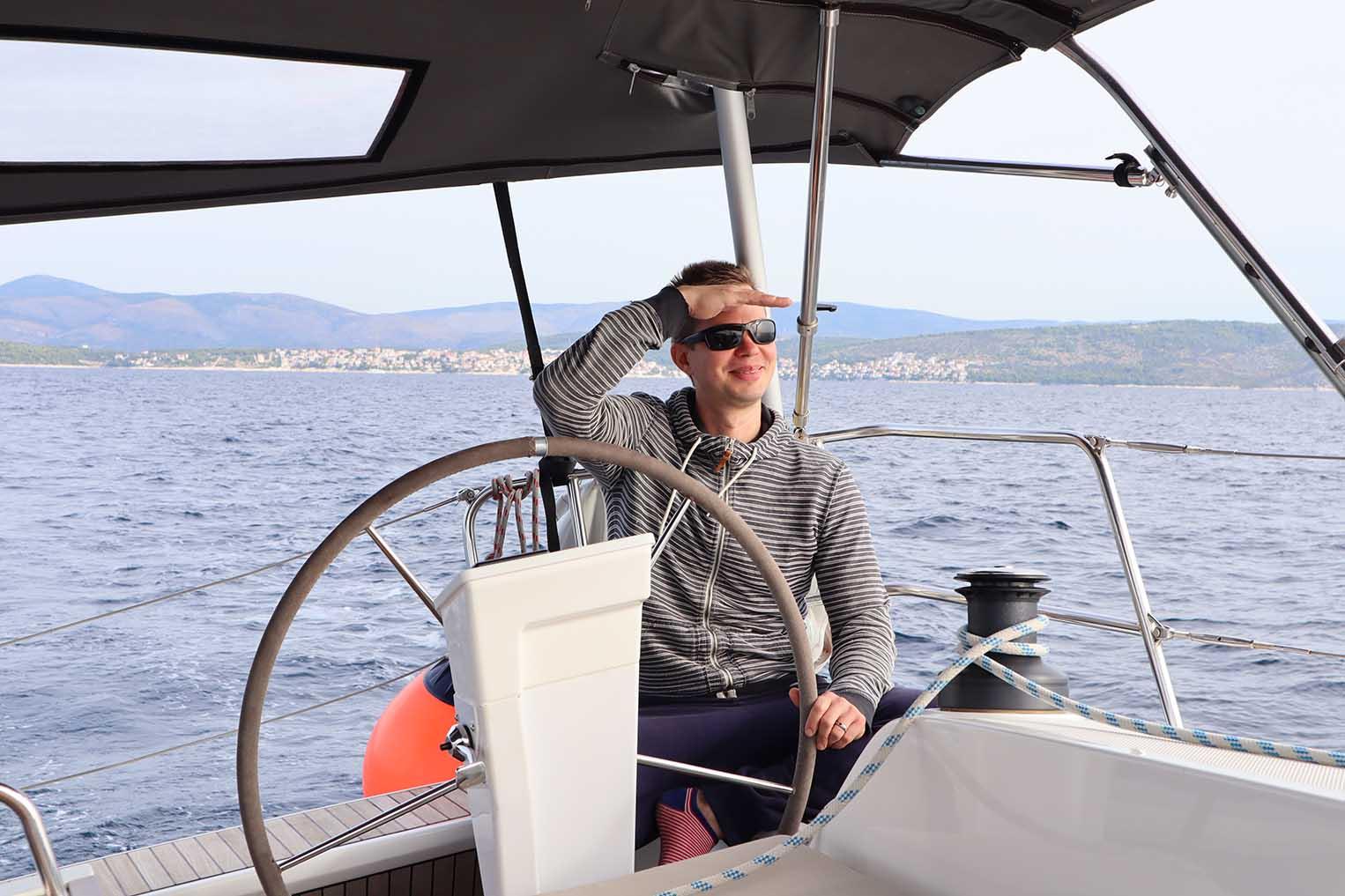 sailing yacht one way - purjevene yhteen suuntaan